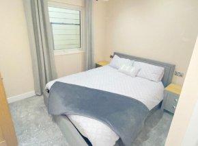 Seven Springs Lodge bedroom