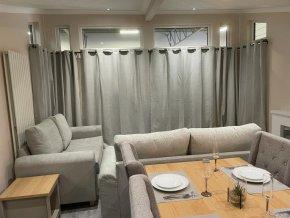 Seven Springs Lodge lounge