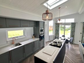 Seven-Springs-Super-Lodge kitchen