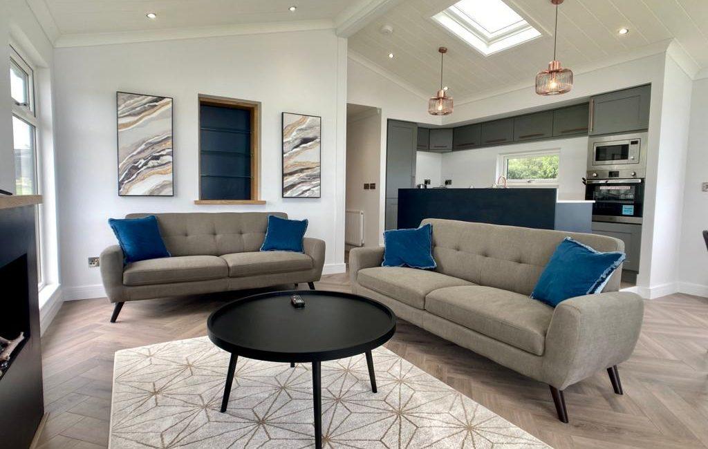 Seven-Springs-Super-Lodge living area