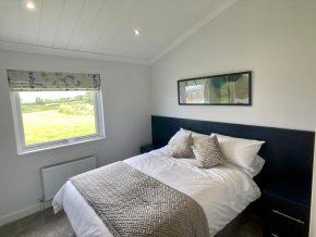 Seven-Springs-Super-Lodge bedroom